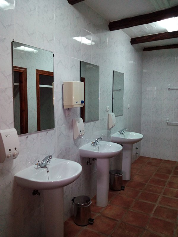 Bano-Hospederia-HotelLasBuitreras.jpg