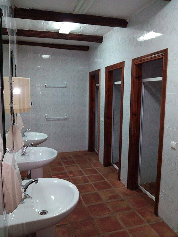 Bano2-Hospederia-HotelLasBuitreras.jpg