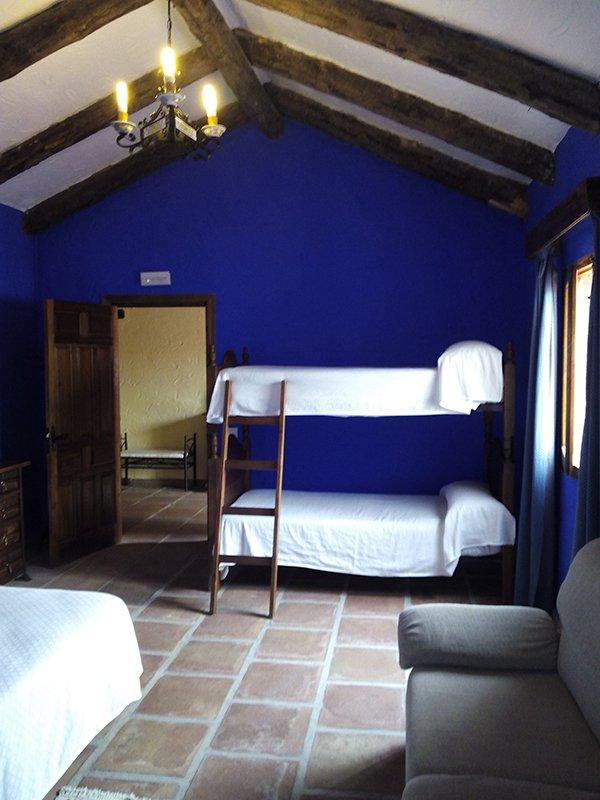 HabitacionCuardriple-2-HotelLasBuitreras.jpg